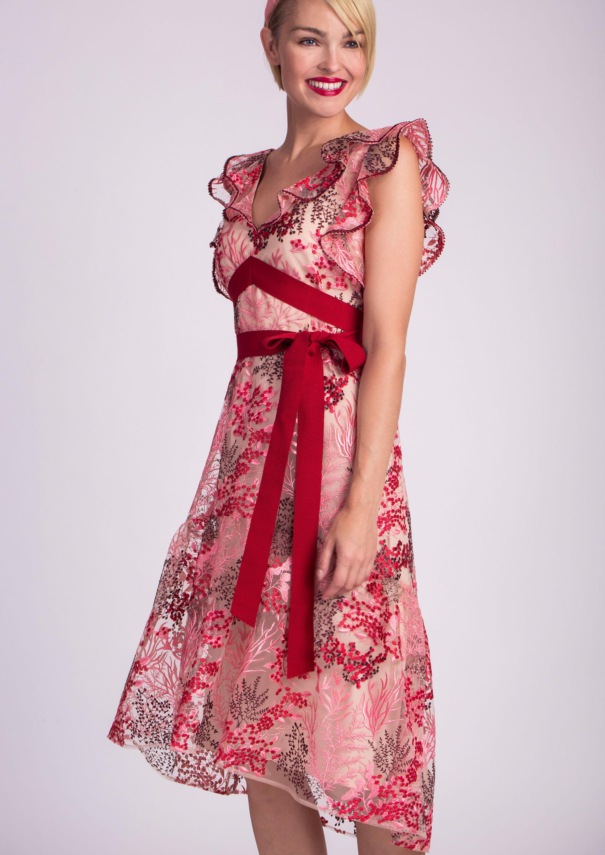 Vestido de cóctel rojo bordado