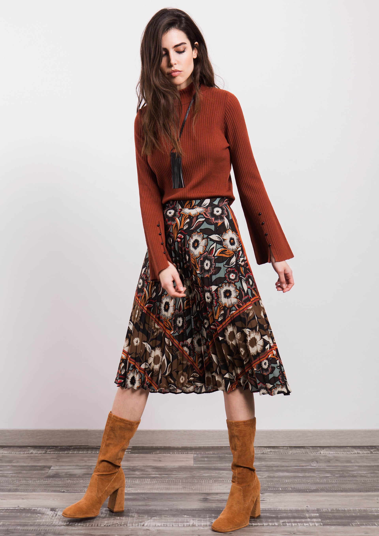 5ad0e3f16d Falda midi plisada de estampado flores
