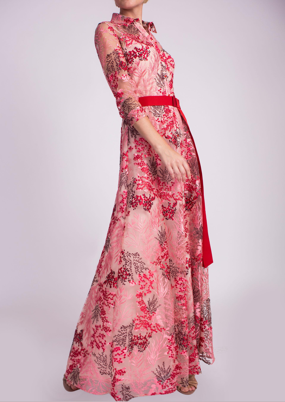 e6001c7ec Vestido largo camisero bordado rojo