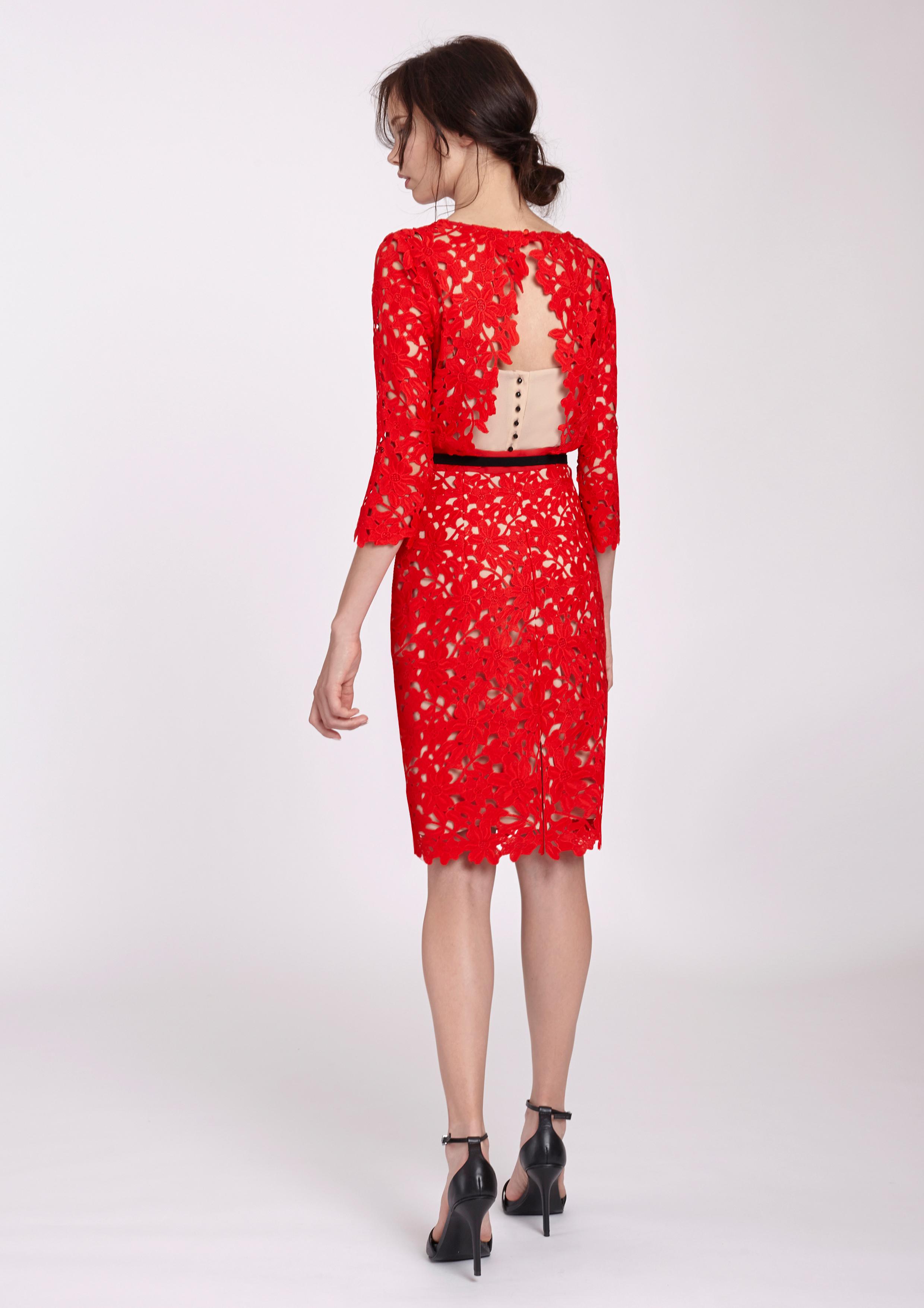 a4072b918 Vestido recto de guipur rojo