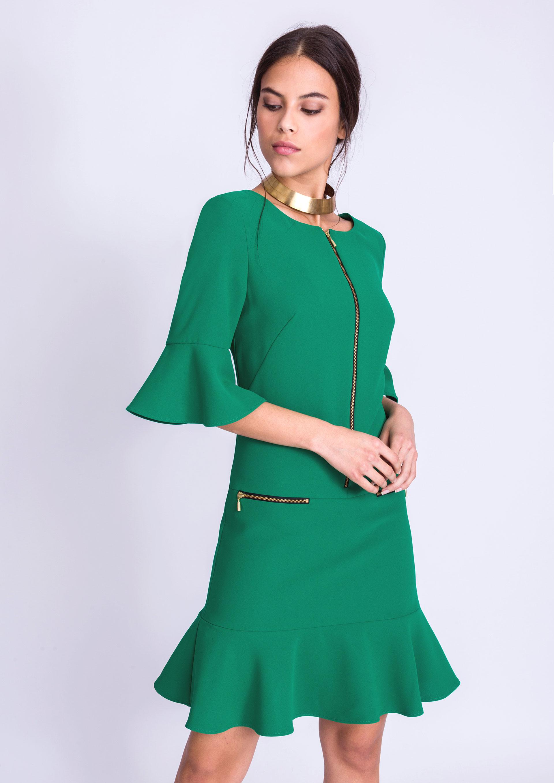 fbecd262a Vestido verde con manga y bajo volantes