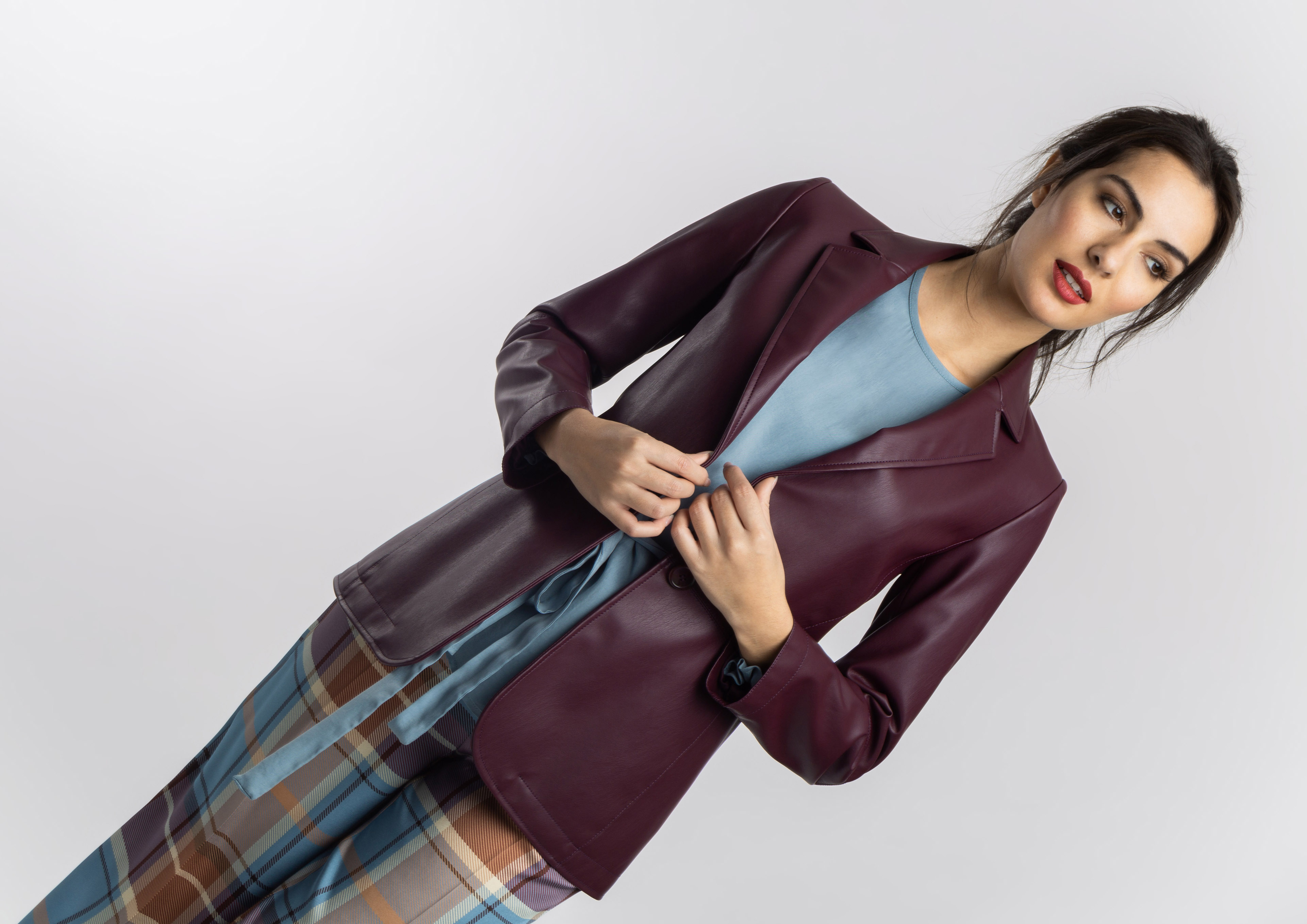 Leather effect blazer in aubergine
