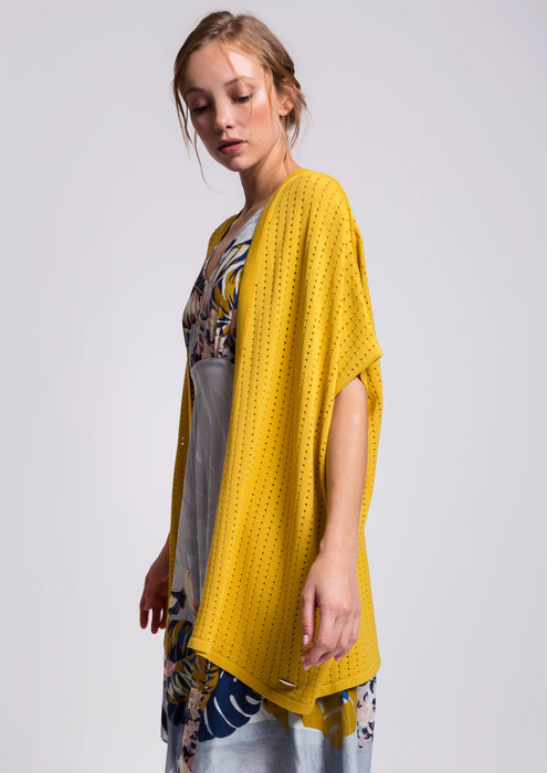 Alba Conde yellow cardigan