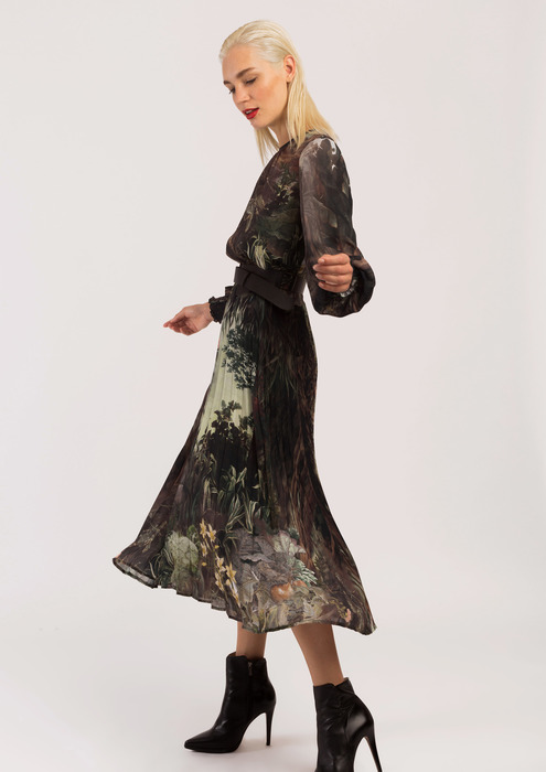 Green print fluid dress.
