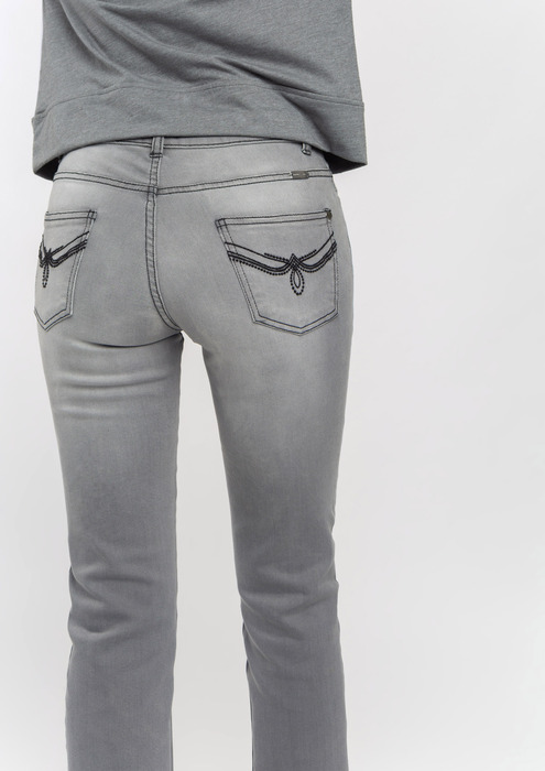 Grey cropped jeans