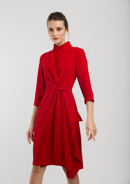 Red semi-fitted dress