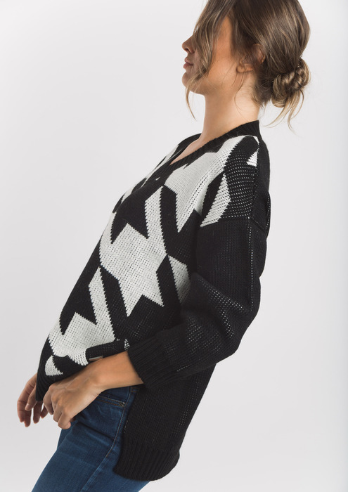 Two tone houndstooth jumper