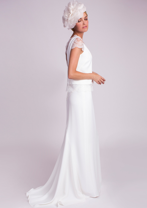 Wedding top with lace combined with long skirt