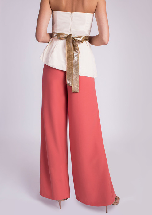 Wide leg trousers in coral