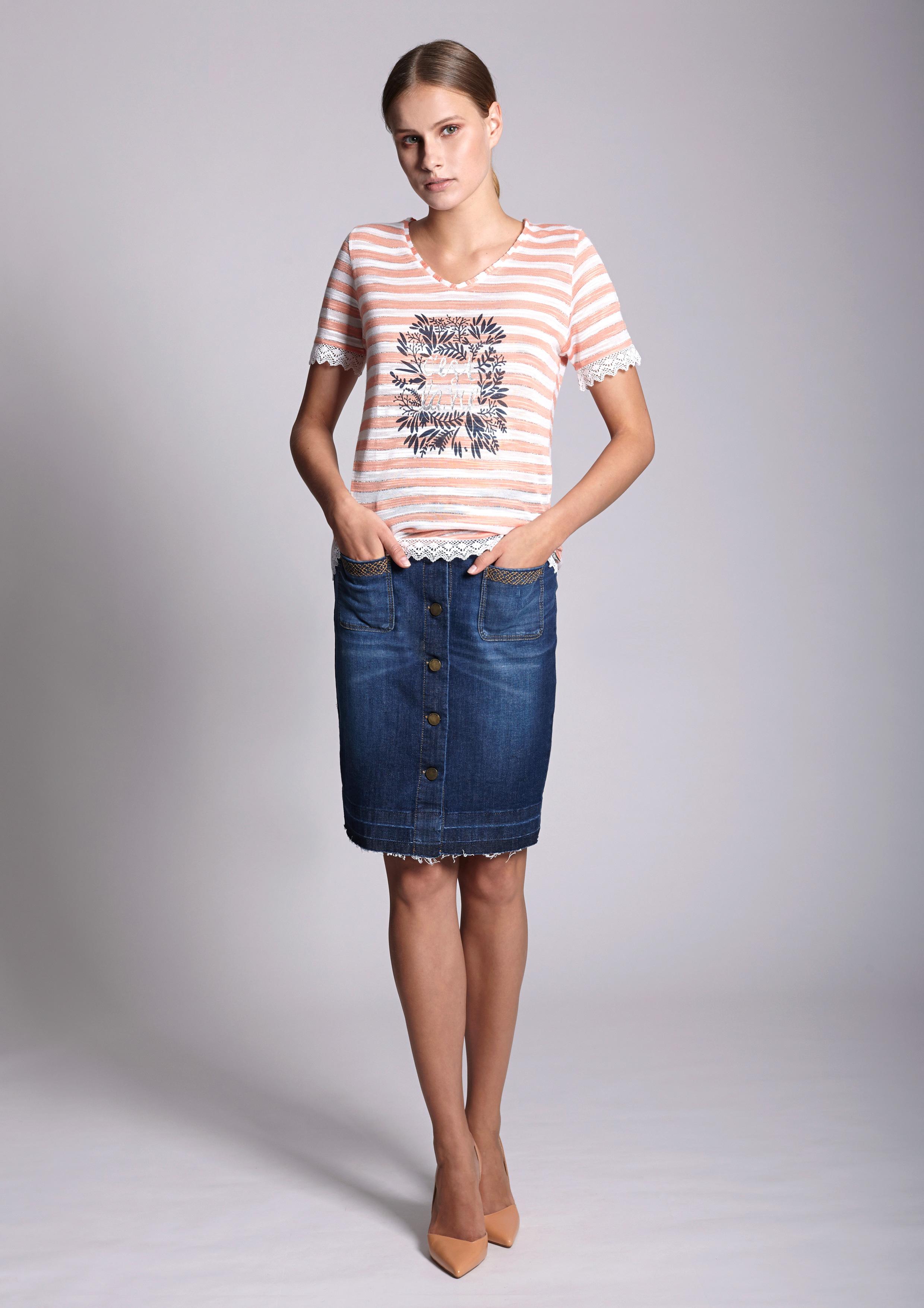 49137d851e Camiseta rayas y falda vaquera
