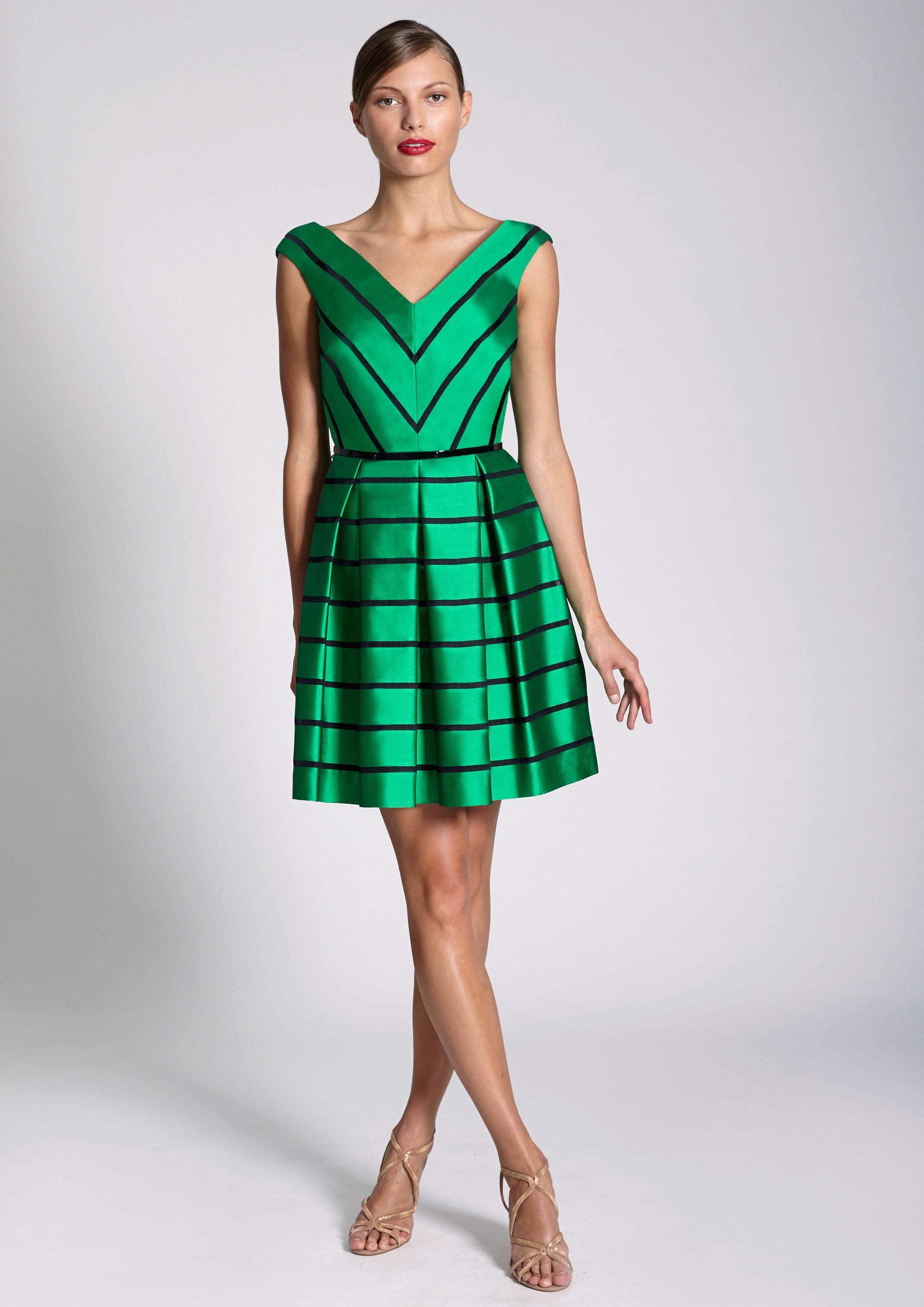 1aadacdf76 Vestido corto de rayas verde y negro